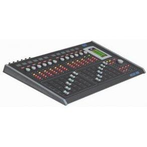 Mixers / Consoles